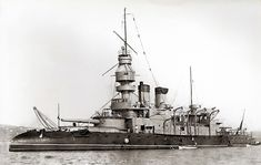 https://flic.kr/p/nRoJei | French coast defense pre dreadnought battleship Jemmapes | French coast defense pre dreadnought battleship Jemmapes in Toulon. Note the turtledeck/whaleback bow and the two single large guns.