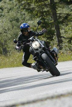 Cafe Racer Moto, Cafe Racer Girl, Cafe Racers, Nine T Bmw, Women Riders, Ural Motorcycle, Bmw Scrambler, Bmw Boxer, Motorcycle Photography