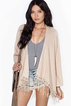 Daydream Haze Kimono. Love the outfit, mostly the necklace and the kimono