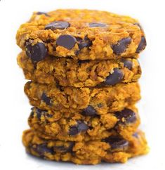 Soft and CHEWY pumpkin chocolate chip cookies… packed with oats and cinnamon and chocolate chips… from Chocolate-Covered Katie… so good! chocolatecoveredk...