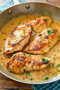 Crispy skillet chicken in the most flavorful, creamy southwestern-inspired sauce! The post Seriously simple dinner! Crispy skillet chicken in the most flavorf . Skillet Chicken with Creamy Cilantro Lime Sauce Love this– made it in one week! Cilantro Lime Sauce, Cilantro Chicken, Creamy Chicken, Lemon Chicken, Chicken Fajitas, Chipotle Chicken, Butter Chicken, Chicken With Coconut Milk, Chicken In A Pan