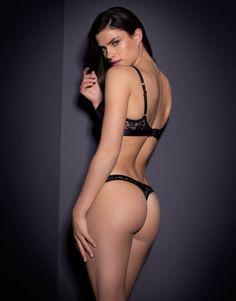 Nicolle Thong Black