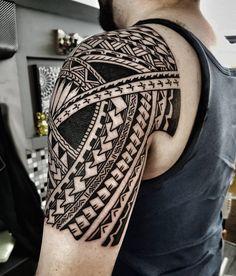 """520 Likes, 5 Comments - Manu Ta2 (@manu_dermagrafics) on Instagram: """"Freehand...#tattoo #tattoos #tatau #tattooidea #tattooworkers #tattoomaori #traditionaltattoos…"""""""