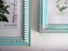 DIY Vintage frames using inexpensive wal-mart frames. Lots of good craft ideas. Diy Vintage, Vintage Frames, Vintage Stuff, Do It Yourself Furniture, Do It Yourself Home, Diy Projects To Try, Craft Projects, Walmart Pictures, Faux Painting