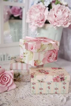 I WISH i HAD SOME OF THESE BOXES...SO PRETTY <3