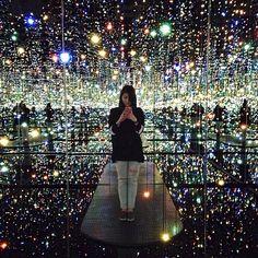 Infinity Mirror Room Бесконечные зеркальные комнаты художницы Яей Кусама (Yayoi Kusama)