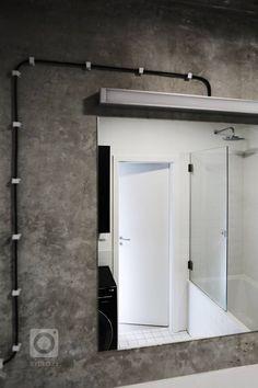 Betonovový byt ve spolupráci s projektanty NEUHÄUSL HUNAL. Bathroom Medicine Cabinet, Tall Cabinet Storage, Architecture Design, Garage Doors, Building, Outdoor Decor, Furniture, Home Decor, Lighting