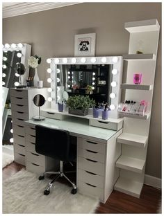 Teen girl bedrooms, pop by this post for that lovely adorable room design, example number 2982514349 Cute Bedroom Ideas, Cute Room Decor, Room Ideas Bedroom, Girl Bedroom Designs, Teen Room Decor, Diy Bedroom Decor, Silver Bedroom Decor, Bedroom Design For Teen Girls, Teen Girl Decor
