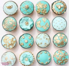 Mint and Gold cupcakes Turquoise Cupcakes, Teal Cupcakes, Pretty Cupcakes, Beautiful Cupcakes, Flower Cupcakes, Fancy Cakes, Mini Cakes, Victorian Cupcakes, Cupcake Couture