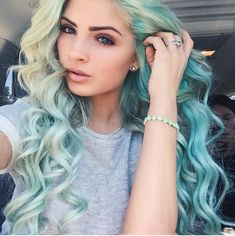 Pastel Roots With Mermaid Hair Ombré Hair, Dye My Hair, Hair Dos, Hair Colorful, Bright Hair, Coloured Hair, Estilo Fashion, Big Chop, Green Hair