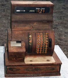 valscrapbook:    National Cash Register by Charlie Kinyon on Flickr.