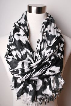 Black and White Scarf | Peacock Plume