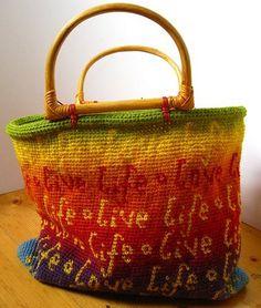 For my friends who crochet. Beautiful tapestry crochet bag--pattern not available yet but artist's post promises soon. Bag Crochet, Crochet Shell Stitch, Crochet Handbags, Crochet Purses, Love Crochet, Crochet Crafts, Crochet Projects, Tapestry Crochet, Knitted Bags
