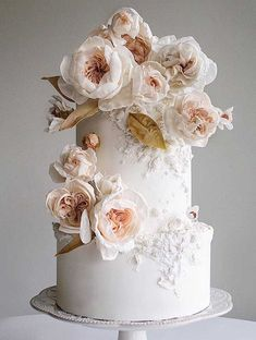 Be inspired by these pretty wedding cakes! We are having a major swoonnsesh over these gorgeous wedding cakes. These latest wedding cakes are the latest instragram wedding cake trend from fabulous artist cake designers. Pretty Wedding Cakes, Luxury Wedding Cake, Black Wedding Cakes, Elegant Wedding Cakes, Wedding Cakes With Flowers, Elegant Cakes, Wedding Cake Designs, Wedding Cake Toppers, Purple Wedding