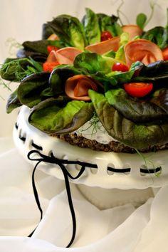 Kakkuviikarin vispailuja!: Hyydytetty kinkkukakku