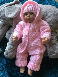 Baby Girl Pram Outfit in Pink to fit 0-3 month or will fit a