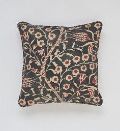 Linen Pillow, floral design – hellethygesen.com