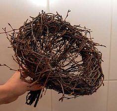 Risutyöt | Risulinnun pesässä Willow Weaving, Hobbies And Crafts, Garden Art, How To Dry Basil, Flower Arrangements, Herbs, Branches, Hair Styles, Flowers