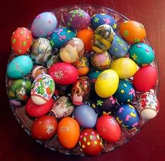 AMAZING COLORFUL EASTER EGGS FOR EASTER DAY - 4 UR Break- provides some information about interesting trends. you can find all that & more on http://www.4urbreak.com/