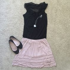 LC Light Pink Skirt 🎀Skirt with ruffles. Has thin black elastic band at waist. Would look good with a belt or no belt and with flats. Color looks more like 2nd picture. I'm a M and can fit. Lauren Conrad Skirts