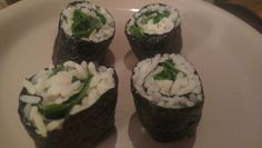 Homemade Thai-style rice sushi rolls filled with spinach and fresh basil <3