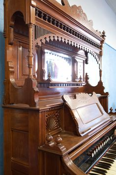 here is a side view Antique Furniture For Sale, Side View, Piano, Music Instruments, Antiques, Saying Goodbye, Romanticism, Antiquities, Antique