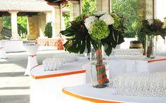 Un mariage dans les tons d'orange Table Decorations, Orange, Home Decor, Decoration Home, Room Decor, Home Interior Design, Dinner Table Decorations, Home Decoration, Interior Design