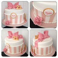 Fondant Bow, Roses & Pearls 21st Birthday Cake.