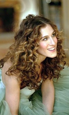 Carrie Bradshaw hair = perfection!