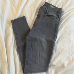 Grey Skinny Jeans Hardly worn, too big for me. Very flattering Gap True Skinny jeans. GAP Jeans Skinny