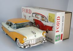 Marusan San Japan 50's Ford Fairlane Club 1956 Friction in Repro Box 13 inches (33 cm) original tin toy car