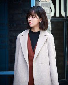 Kim So Hyun new Hair style 2019 Korean Actresses, Korean Actors, Actors & Actresses, Kim So Hyun Fashion, Korean Fashion, Dramas, Kim Sohyun, Ulzzang Korean Girl, Kdrama Actors