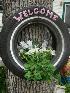 Tire planter Tire Art, Recycled Tires, Reuse Old Tires, Tires Ideas, Tire Garden, Garden Art, Garden Hose, Tire Planters, Garden Planters