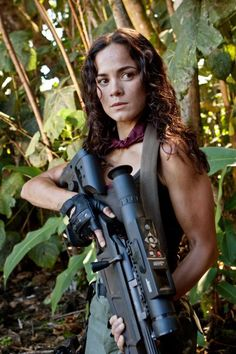 Alice Braga and some firepower