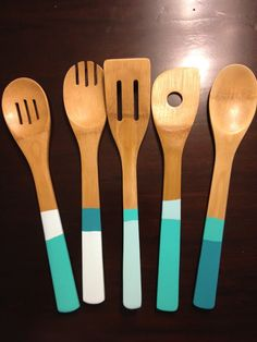 DIY painted spoons via The Happy Homebodies