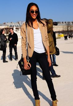 I love this outfit! The beige blazer, with the crisp white tee and skinny jeans are so simple but cute!