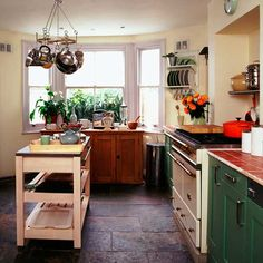 Earthy Shaker-style kitchen | Shaker kitchens | Country-style kitchens | PHOTO GALLERY | Housetohome.co.uk