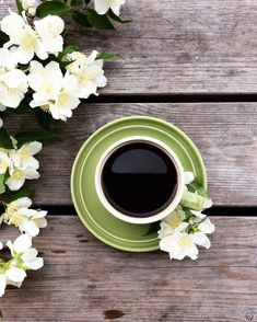Nadire Atas on Cafe , Tea, Desserts and Lovely Flowers 9 Easy And Cheap Tips: Coffee Pot Head coffee sayings humor. Coffee Vs Tea, Coffee And Books, I Love Coffee, Coffee Cafe, Coffee Break, Coffee Drinks, Coffee Shop, Eggnog Coffee, Coffee Png