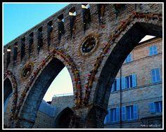 PETRITOLI (ITALY-LE MARCHE REGION-FERMO PROVINCE)-FESTA DELLE COVE-THE 3 ARCHES AT THE FESTIVAL