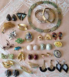 VINTAGE COSTUME JEWELLERY BUNDLE JOBLOT BROOCHES EARRINGS NECKLACE BRACELETS | eBay