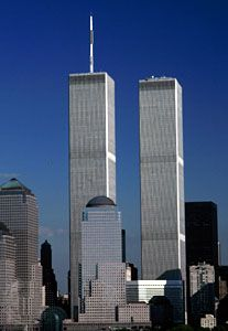 Resultado de imagem para world trade center south tower food court World Trade Center, Trade Centre, Amsterdam, Carcassonne, New York, Willis Tower, Skyscraper, Multi Story Building, Towers