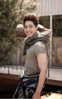 Kim Hyun Joong 김현중 ♡ Kpop ♡ Kdrama ♡ nice smile ♡