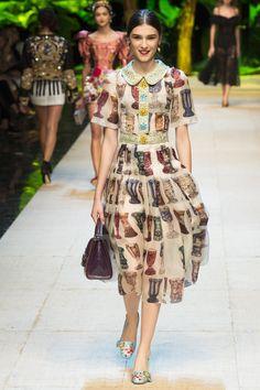 Dolce & Gabbana Spring 2017 Ready-to-Wear Fashion Show Collection