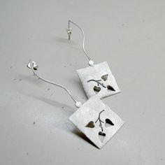 Handmade long stud geometric earrings in sterling door applenamedD, €65.00