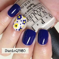 Navy blue and yellow daisy nails Get Nails, Fancy Nails, Hair And Nails, Fabulous Nails, Gorgeous Nails, Pretty Nails, Yellow Nails, Pink Nails, Manicure E Pedicure