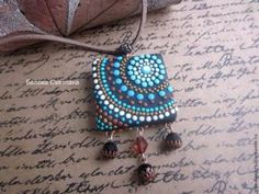 Looking for a fun new tutorial to try this weekend. Make this reversalable Pendant