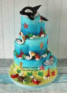 New Cupcakes Versieren Vis Ideas Ocean Birthday Cakes, Animal Birthday Cakes, Animal Cakes, Happy Birthday, Whale Cakes, Ocean Cakes, Beach Cakes, Airbrush Cake, Nautical Cake