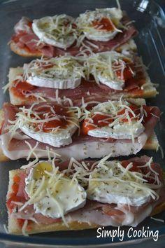 Ziegenkäse- und Honigschinken Simply Cooking von Caro - New Ideas Margarita Pizza, Pizza Logo, Pizza Restaurant, Tofu Scramble, Deep Dish, Pizza Baguette, Creamy Pasta Bake, Mini Appetizers, Bruchetta