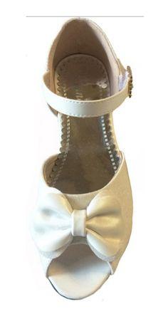 e8edc79991c Επίσημα Παπούτσια Για Κορίτσια, Γόβες Για Παρανυφάκι - Πάρτι Σε Λευκό με  Γκλίτερ