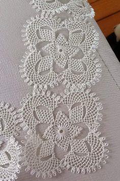 PDF Crochet runner pattern Home decor vintage crochet Crochet Table Runner Pattern, Crochet Mandala Pattern, Crochet Stitches Patterns, Doily Patterns, Crochet Dollies, Crochet Stars, Easter Crochet, Diy Crafts For Girls, Needle Lace